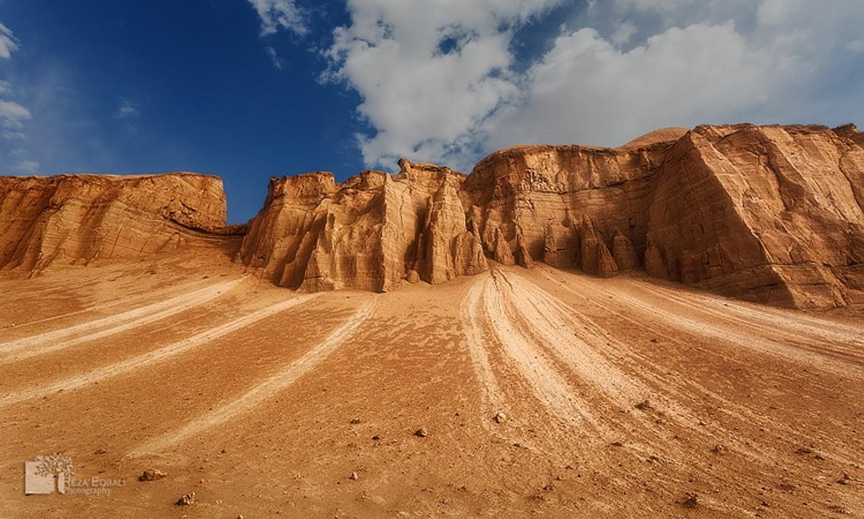 Reza Eqbali-shahdad-desert-kerman-iran-traveling-center