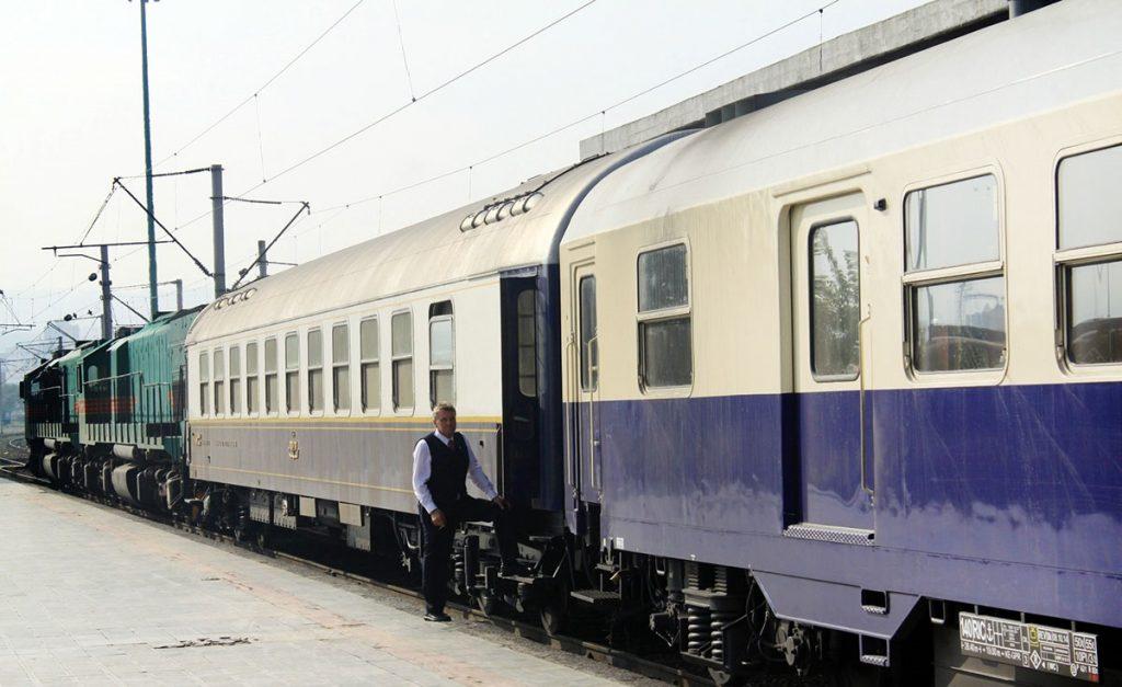 train-travel-to-iran-11
