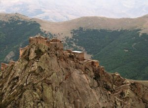 babak-castle-khoramdin-iran-traveling-center