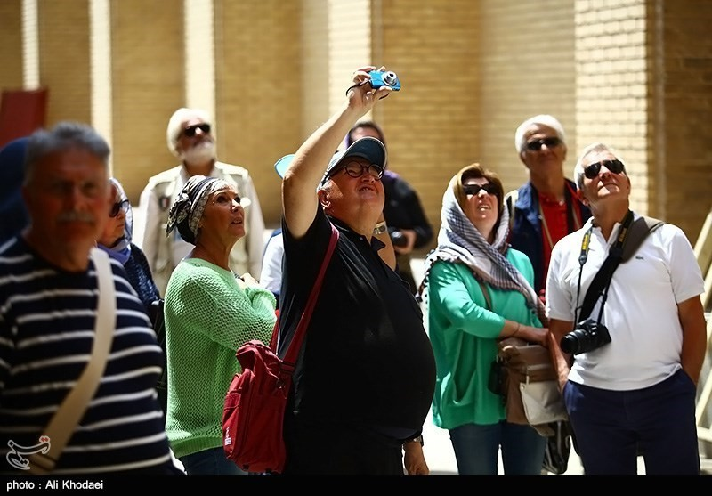 tourists-in-iran-04