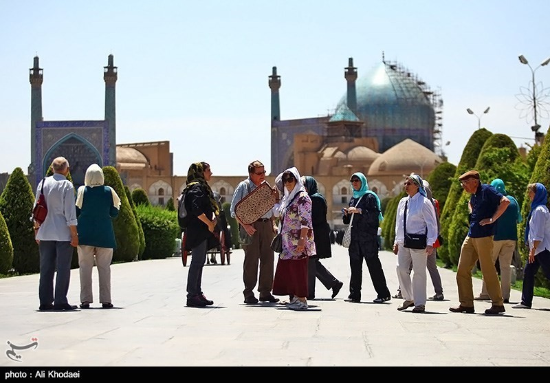 tourists-in-iran-05