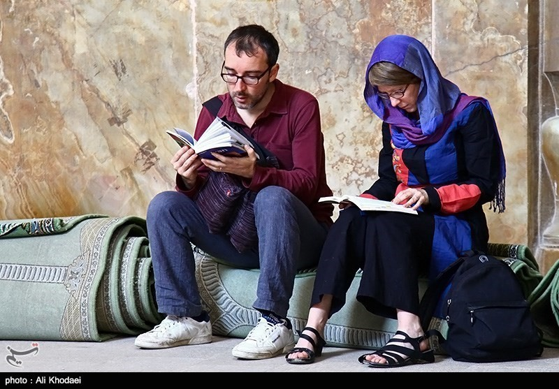 tourists-in-iran-12
