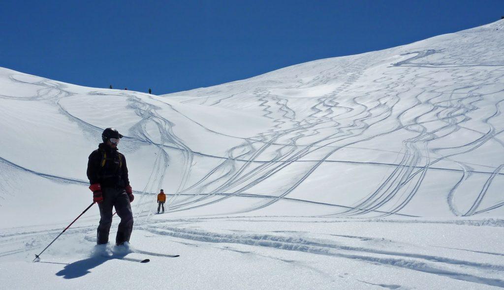 dizin-ski-resort-09