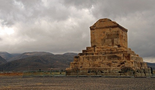 pasargad-iran-shiraz-travel-tomb-of-peace