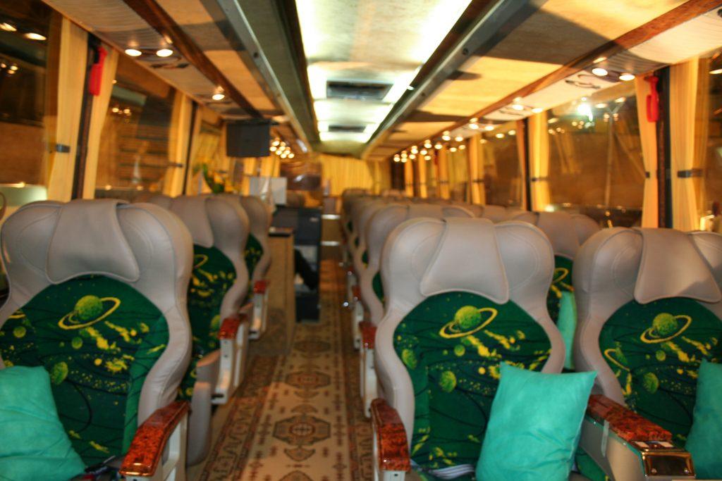 Iran-bus-01