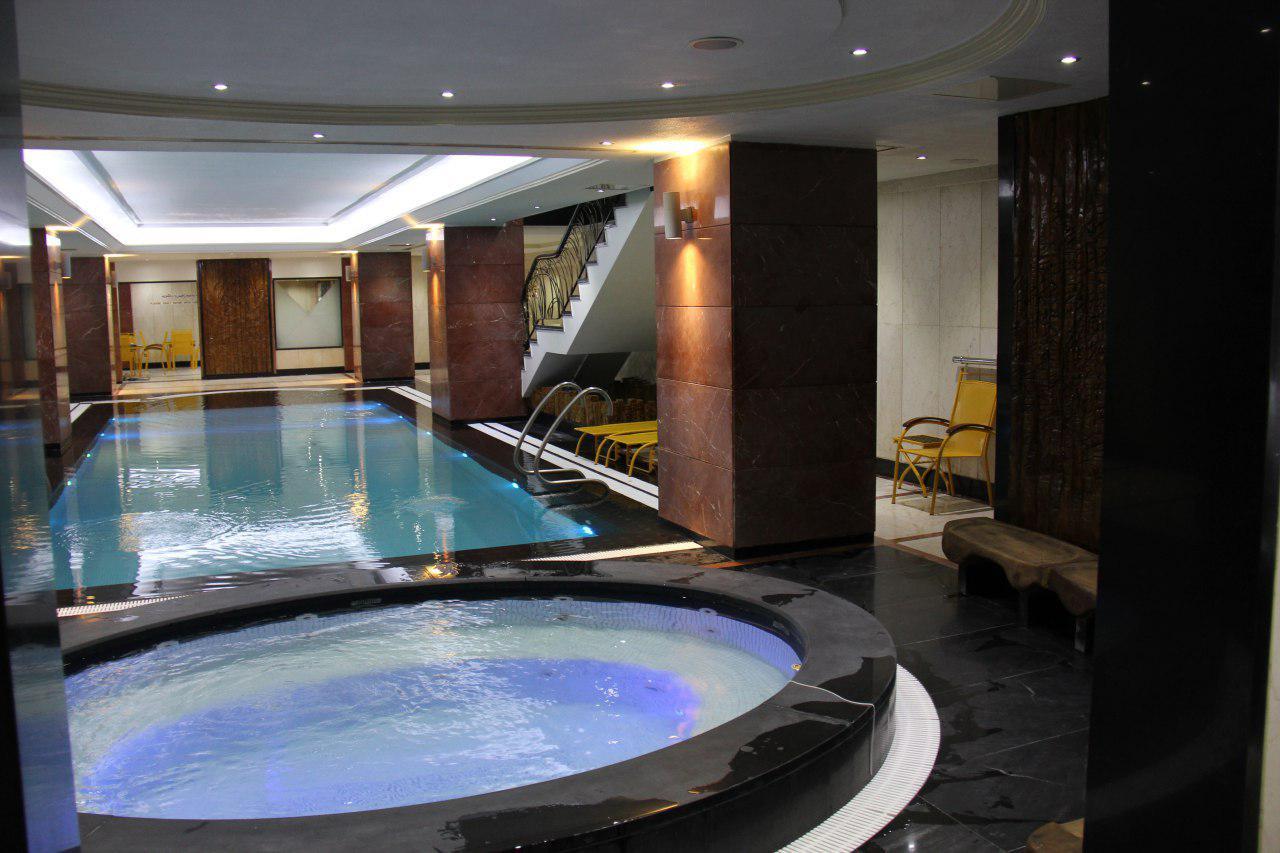 Parsian-Hotel-Tehran-Pool