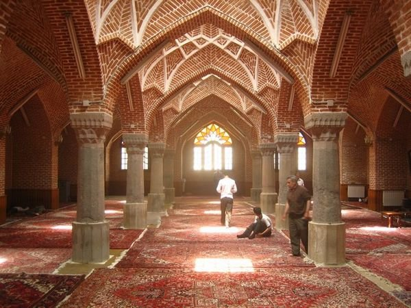 jameh-Mosque-tabriz-Iran-Traveling-center