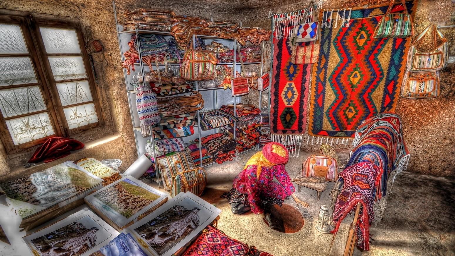 Kandovan-Village-Tabrzi-Iran-Traveling-center