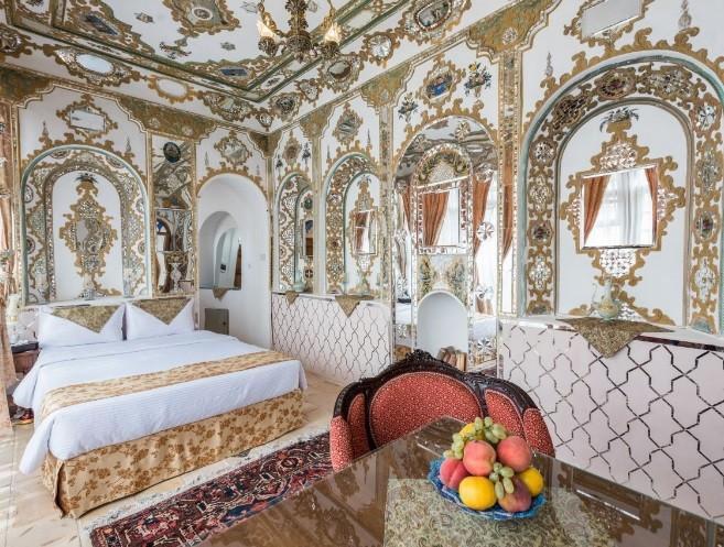 Irantravelingcenter-Ghasr Monshi Hotel